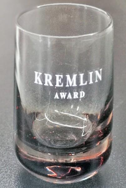 Kremlin Vodka Glas mit schönem Marken-Logo